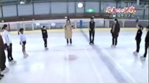 湖遊館でのスケート教室の模様